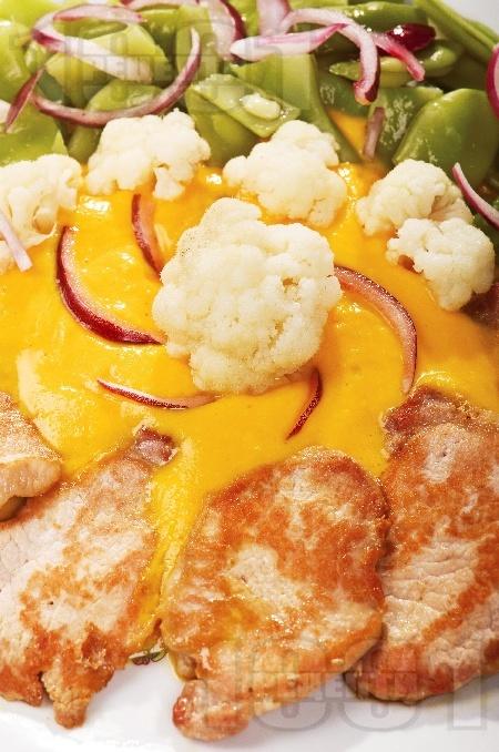 Пилешко бонфиле върху тиквено пюре - снимка на рецептата